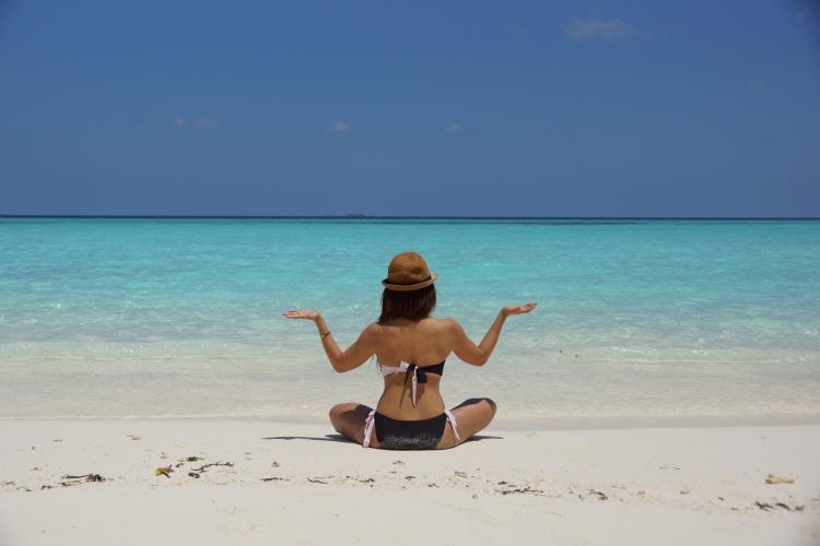 【桌面壁纸】海边沙滩滩美女2