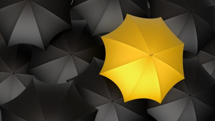 作品标题:【桌面壁纸】黄色雨伞