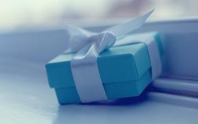 【桌面壁纸】蓝色礼品包装盒