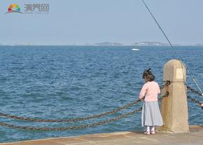 女孩与大海