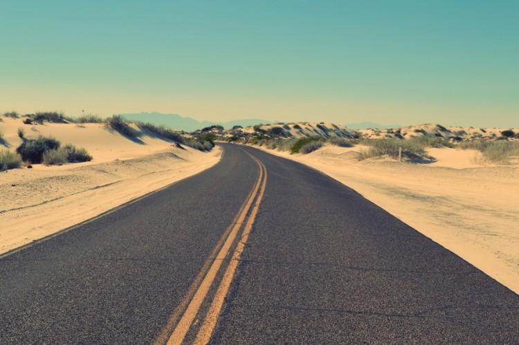 作品标题:【桌面壁纸】延伸的公路