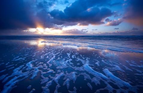 【桌面壁纸】蓝色海浪
